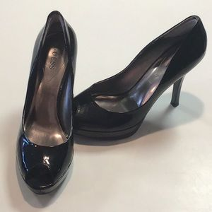 Guess black patent peep to pumps heels size 8